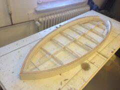 Hollow Wood Rahmen mit massiven Rails