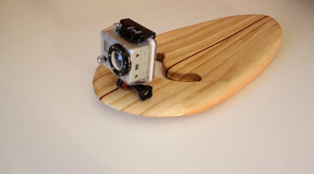 Handplane aus Mammutbaum-Holz mit GoPro-Halterung