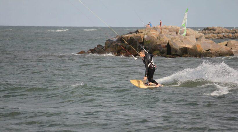 Wooden-Surfboard-Heidkate