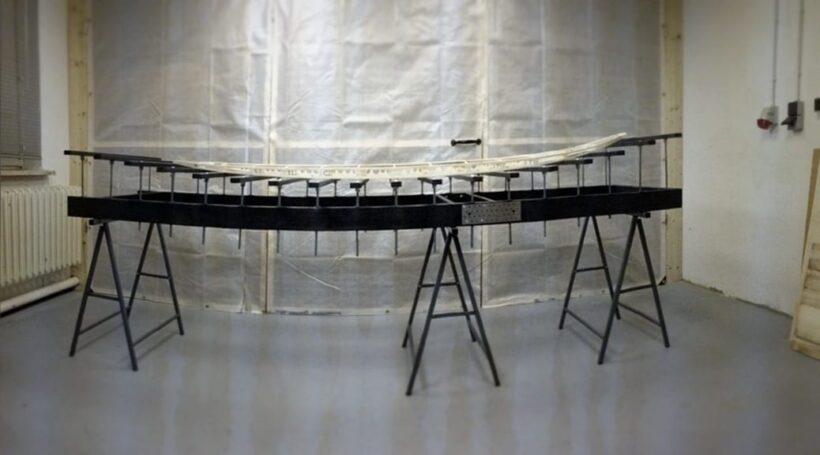 Hollow-Wood-Surfboard-Rahmen auf Rockertable