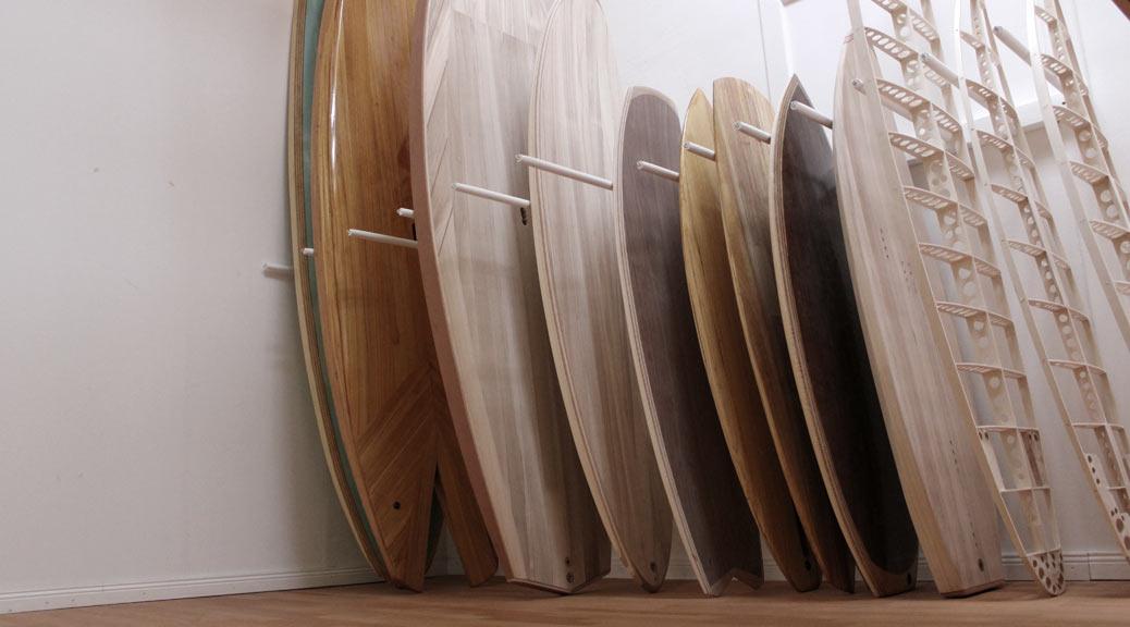 Surfbrettständer im Wohnzimmer