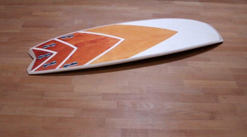 Kite-Surfboard mit Auro-Holzlasur
