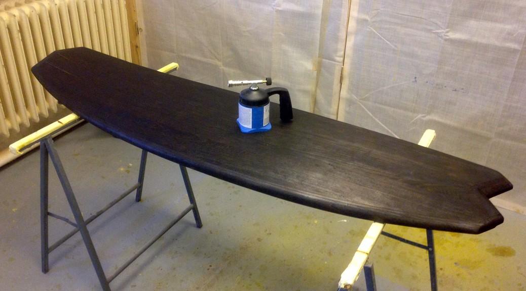 paulownia surfboard fl mmen mit bunsenbrenner wooden surfboards. Black Bedroom Furniture Sets. Home Design Ideas