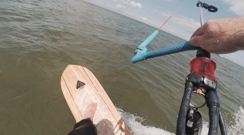 Leichtwindspaß mit Alaia Surfboard