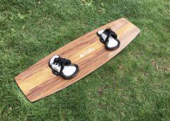 Fette Footpads auf Wooden Twintip